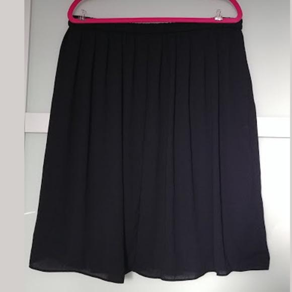 Joe Fresh Dresses & Skirts - Joe Fresh Chiffon Knee Length Skirt XL